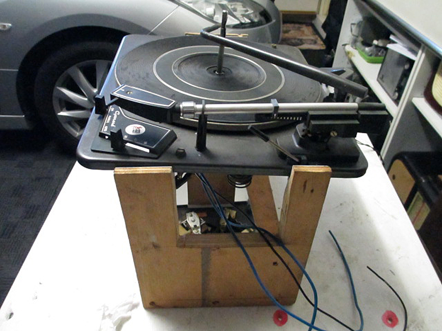 Turntable support