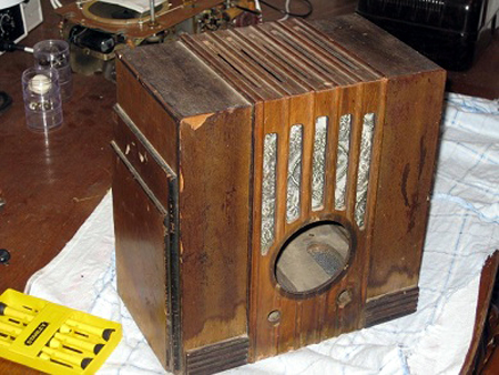 AWA R27 Radiolette from 1934