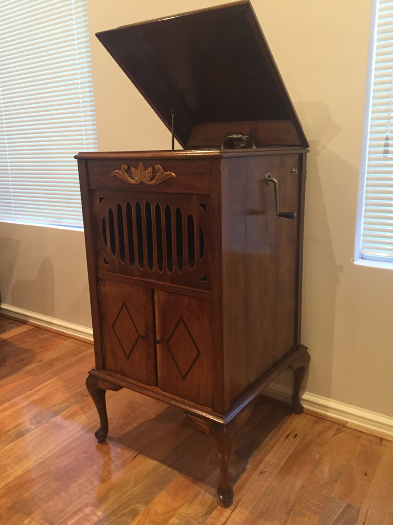 Console Gramophone